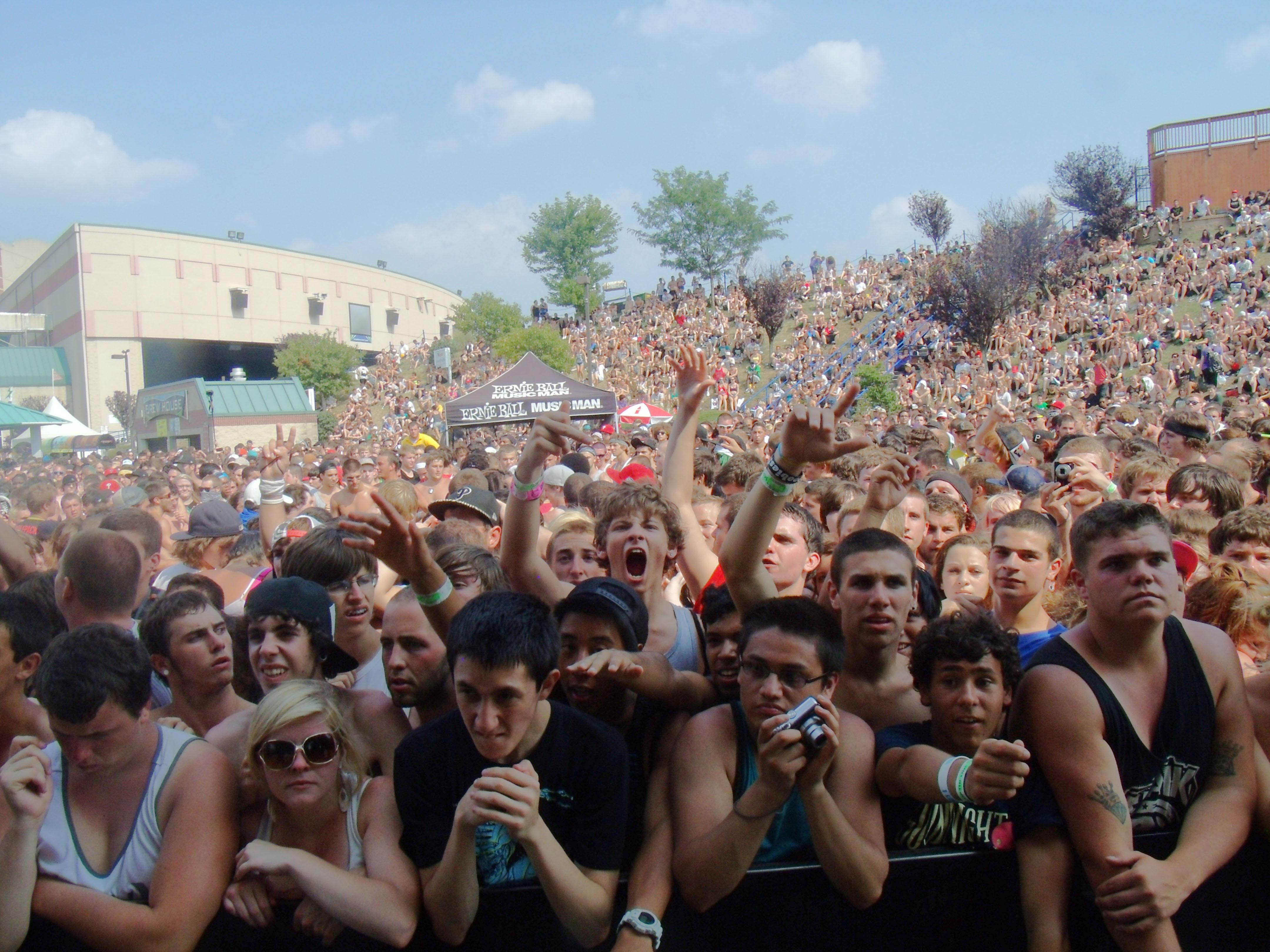 Warped Tour Crowd (Photo: Joey Higgins)