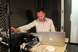 Ulrich Schnauss playing live on Echoes